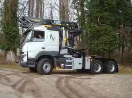 Forestry equipment for semi-trailer Volvo 6x4 + crane Tajfun-Liv 300K99