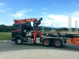 Forestry equipment for 2 steered axles semi-trailer type Kombi Scania 6x4 + crane Tajfun-Liv 300K99 + Kombi