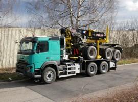 Equipement forestier pour arriere train 3 essieux directionnel Volvo 6x4 + grue DIEBOLT D28-87 + AR5670