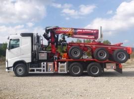 Equipement forestier pour arriere train 3 essieux directionnel Volvo 6x4 + grue Epsilon S270L98 + AR3670