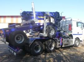 Equipement forestier pour arriere train 2 essieux directionnel MAN 6x4 + grue Tajfun-Liv 300K81 + AR2020