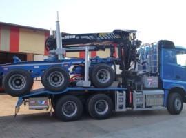 Equipement forestier pour arriere train 3 essieux directionnel Mercedes Benz 6x4 + grue Epsilon S300L98 + AR3670