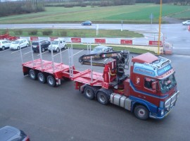 3 axles extendable semi-trailer with crane on goose-neck Volvo 6x4 + crane DIEBOLT D24-81
