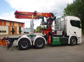 Forestry equipment for 3 axles forestry dolly with drawbar. Scania 6x4 + crane Tajfun-Liv 320K99 + AR5650