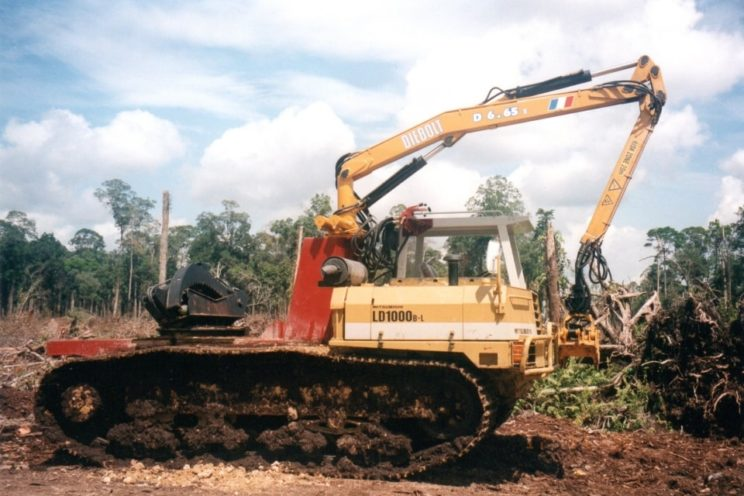 Crane on tracked vehicle type Bulldozer (Caterpillar…)