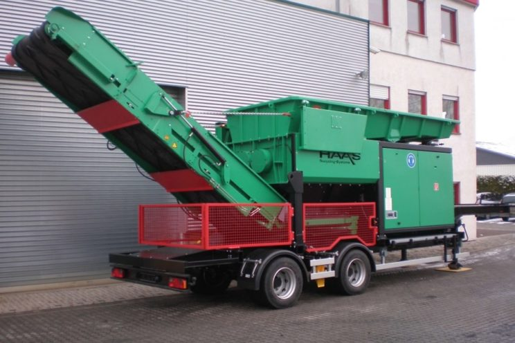 2 axles trailer for wood grinder