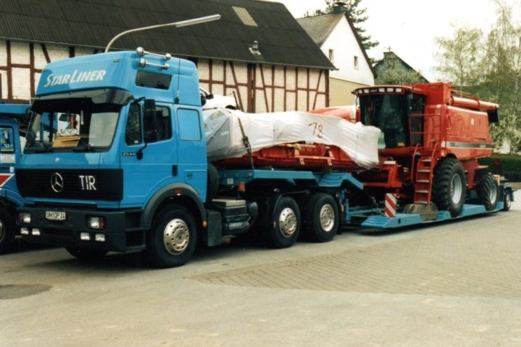 1, 2,3 axles – or more – low-bed semi-trailer, with or without hydraulic steering