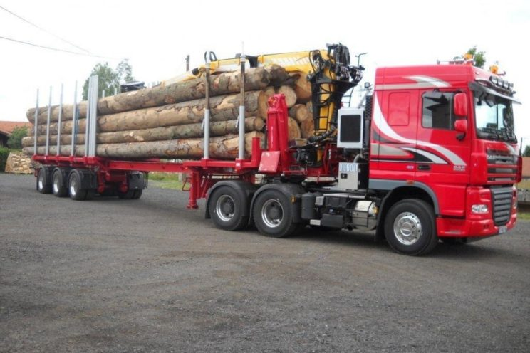 Steered 3 axles extendable semi-trailer with or without crane on goose-neck